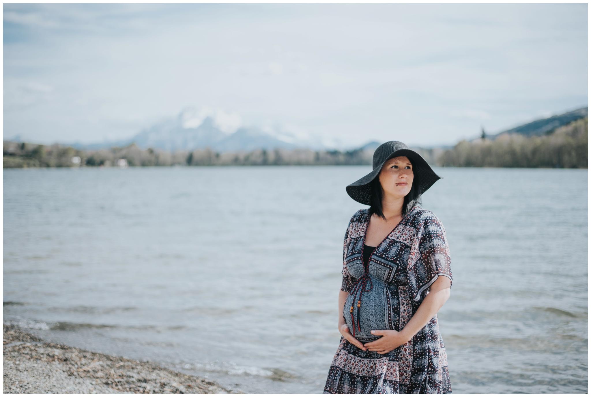 photographe grossesse future maman grenoble annecy lyon naturel lifestyle lac nouveau ne maternite famille seance photo famille _022