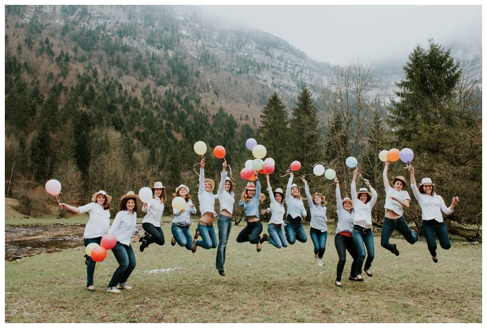 photographe mariage lyon evjf montagne seance photo enterrement de vie de jeune fille surprise lifestyle naturel annecy grenoble suisse entre copine_0014