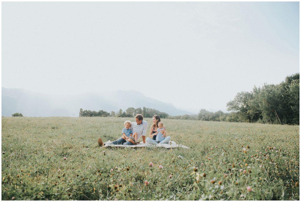 photographe-famille-grenoble-naturel-lifestyle-champetre_0001