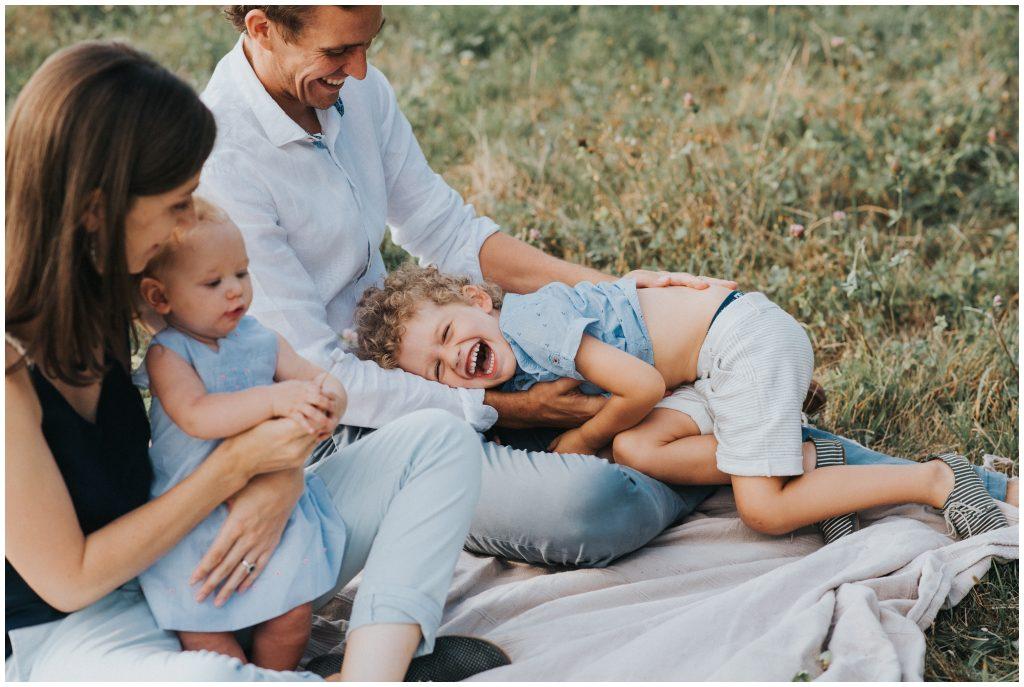 photographe-famille-grenoble-naturel-lifestyle-champetre_0003