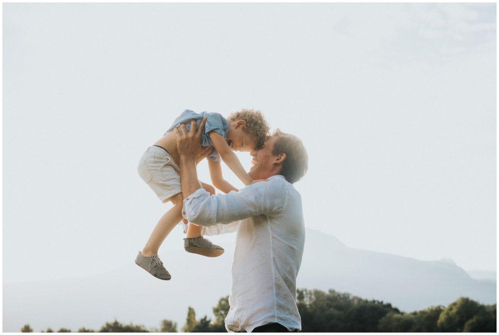 photographe-famille-grenoble-naturel-lifestyle-champetre_0008